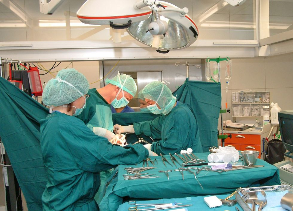 Prof. - Matthias Birth - Helios Hanseklinikum Stralsund - Operationssaal