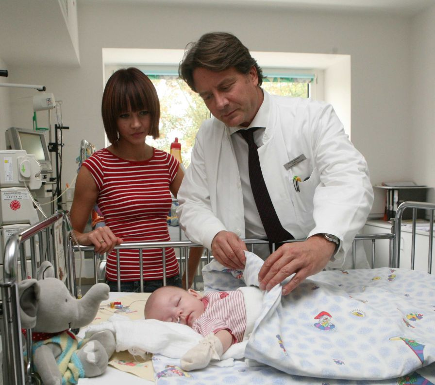 Prof. - Thomas Boemers - Kliniken der Stadt Köln gGmbH - Kinderkrankenhaus Köln Amsterdamer Straße - Behandlung