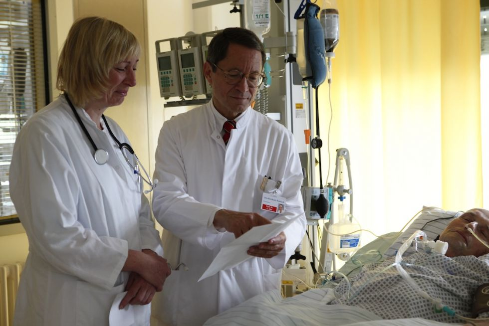 Prof. - Ernst Klar - Universitätsmedizin Rostock - Behandlung