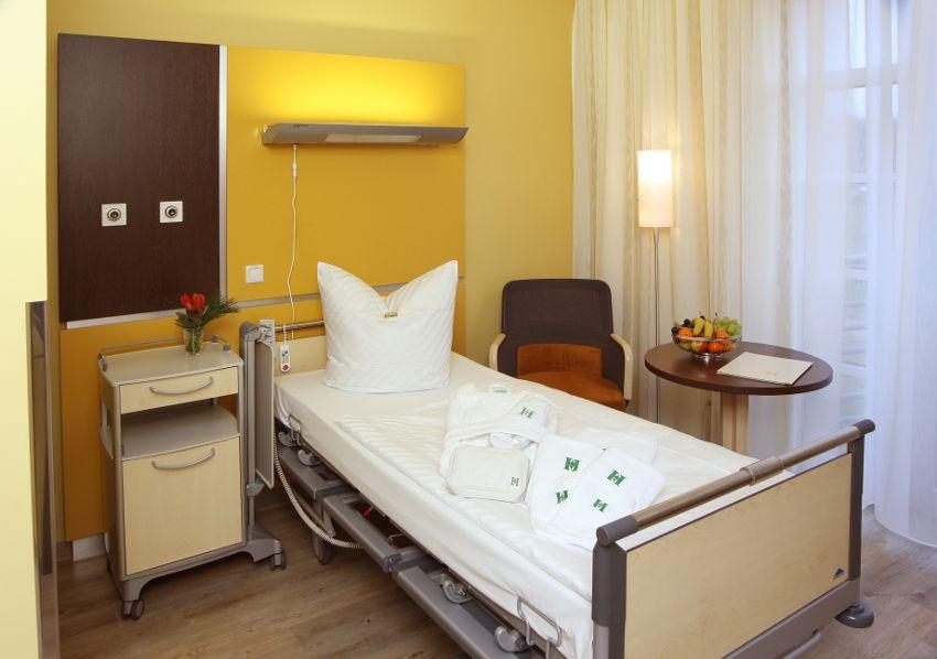 Dr. - Akos Zahar - HELIOS Klinikum Emil von Behring GmbH - Patientenzimmer