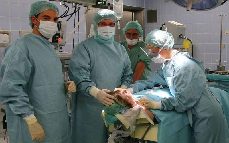 Prof. - Helmut H.  Lindorf - Praxis Prof. Lindorf & Partner GbR - Operation