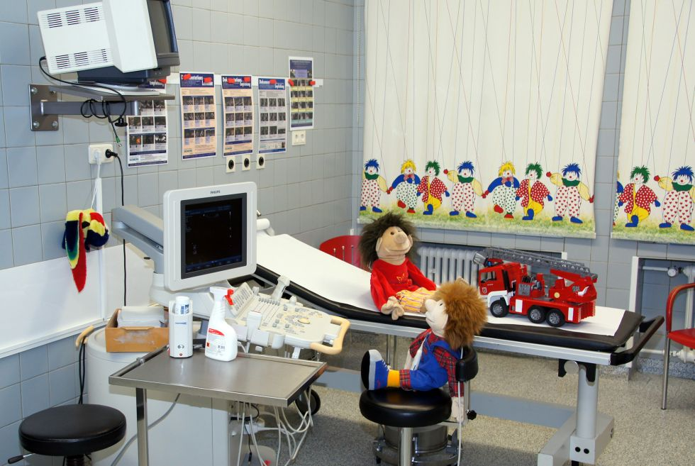 Prof. - Ralf-Bodo Tröbs - Stiftung Katholisches Krankenhaus Marienhospital Herne Klinikum der Ruhr-Universität Bochum - Behandlungszimmer