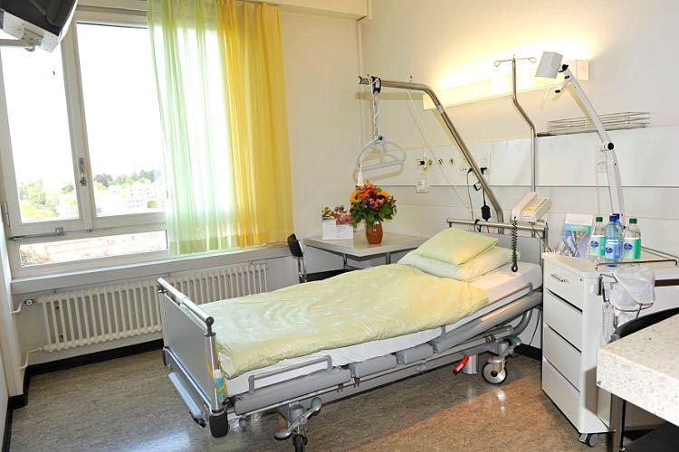 Prof. - Marco Domenico Caversaccio - Inselspital Bern - Patientenzimmer