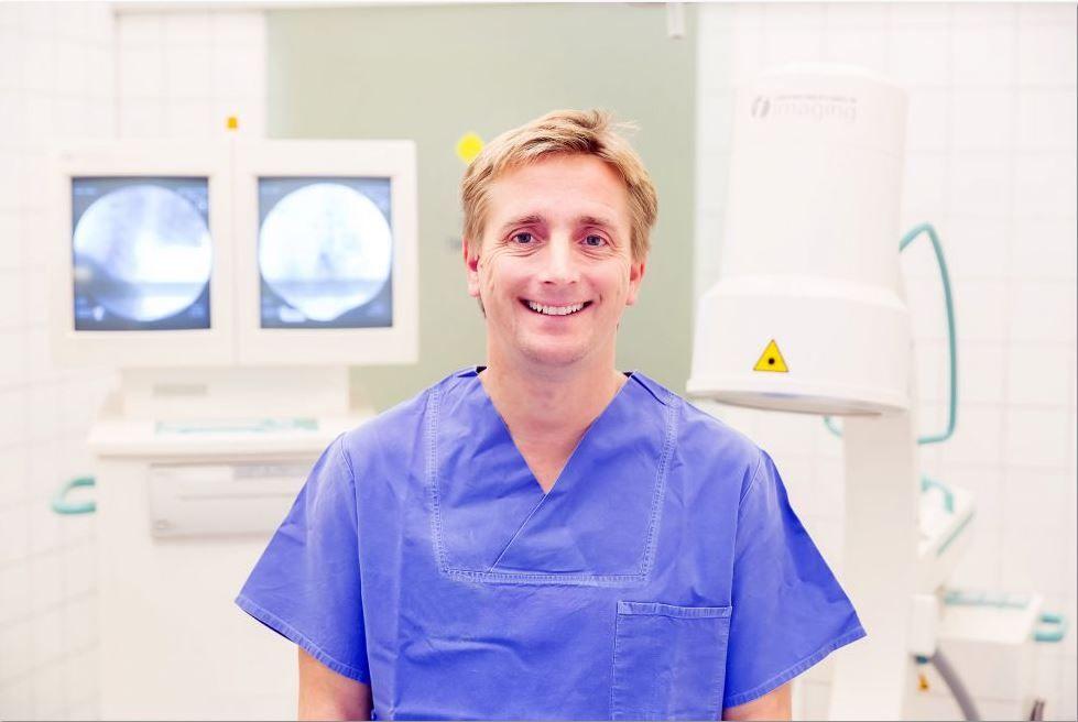 Dr. - Christopher Topar - Ortho - Eins