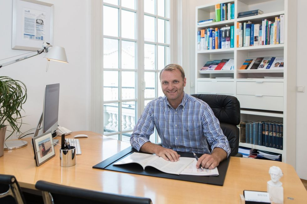 Dr. - Jochen Peter - Venenzentrum Dr. Peter