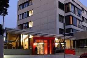 Dr. - Andreas Kuthe - DRK-Krankenhaus Clementinenhaus