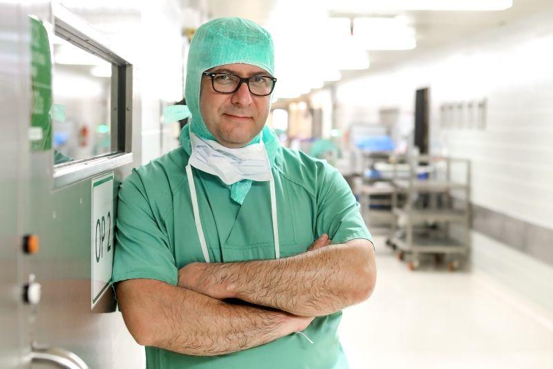 Dr. - Akos Zahar - HELIOS Klinikum Emil von Behring GmbH