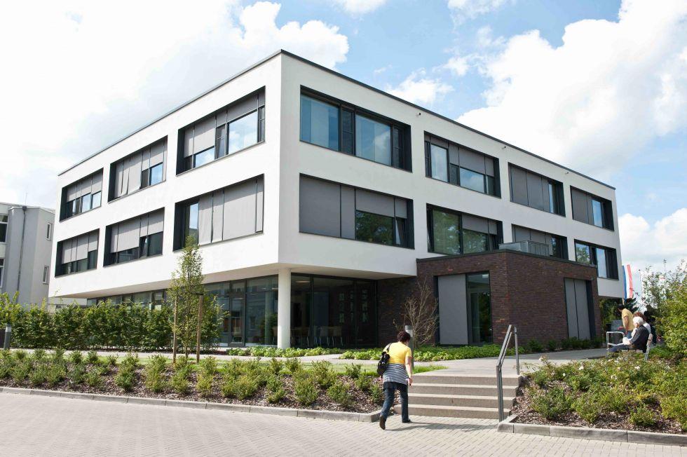 Dr. - Roman Koch - Paracelsus-Klinik Henstedt-Ulzburg