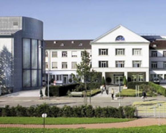 Prof. - Hardy Schumacher - Klinik Hirslanden Zürich - Außenansicht